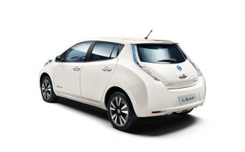 NISSAN-LEAF-REAR-VIEW266